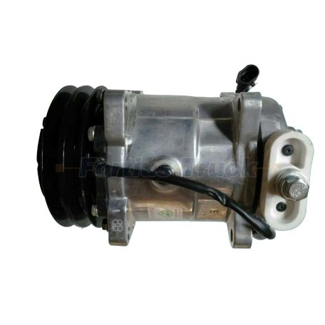 Sinotruk Truck Parts Air Condition Compressor 8103020-DN04